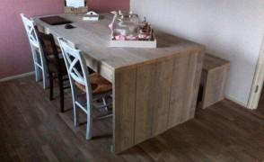 eetkamertafel + Bank (steigerhout)